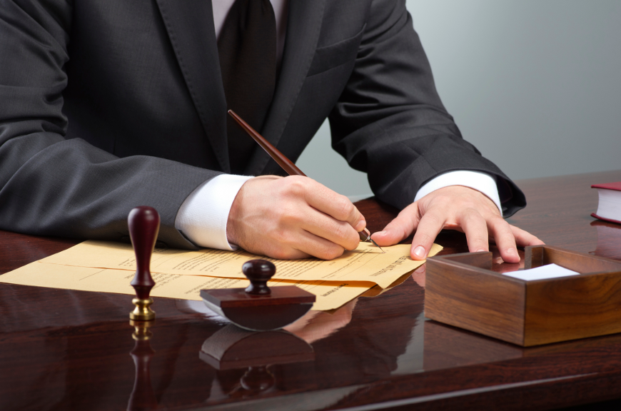 You vs. the Law: Why You Need a Criminal Lawyer in Your Corner